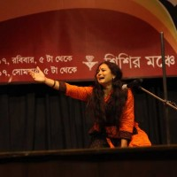 Kalpana Gagdekar from Budhan Theatre, Ahmedabad, performing her short play